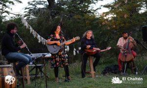 MECH - mujeres en el bosque2